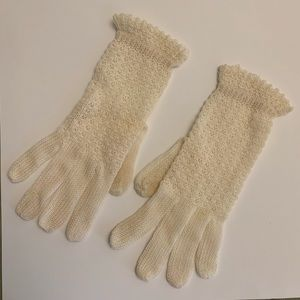 Vintage Off White Knit Gloves